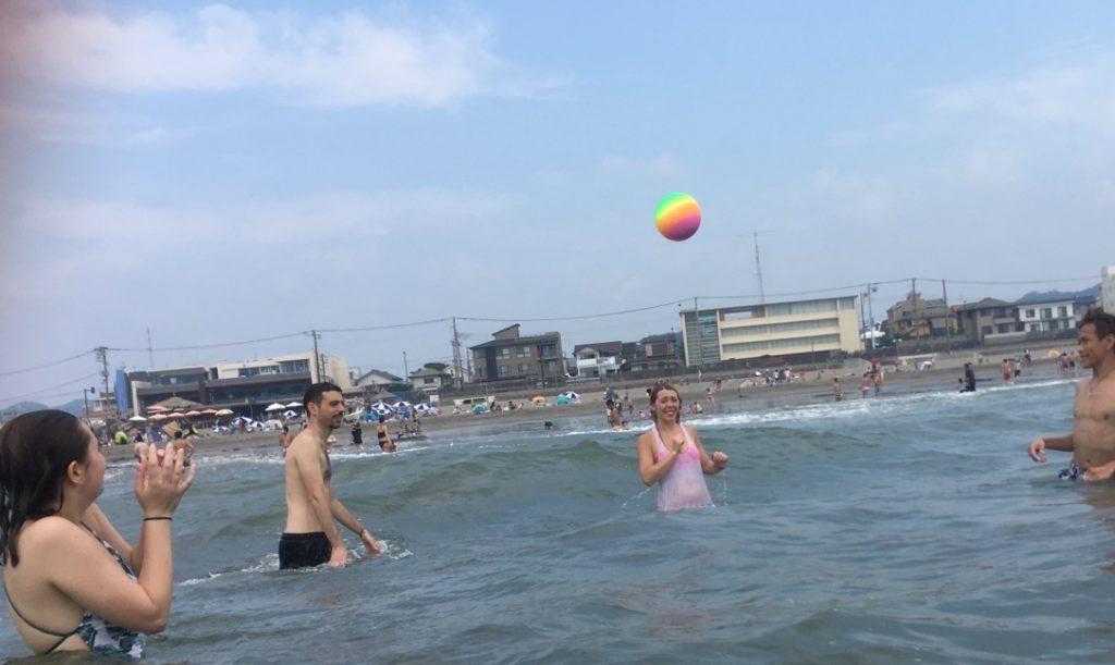 海 ビーチボール